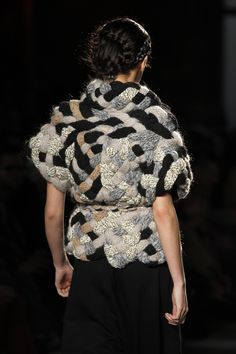 Hand knitted mixed wool fabric. Basketry technique. Miriam Ponsa