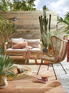 Stone patio terrace and patio terraced house. Pretty up your patio and dress up your decking with these glorious terrace decorating ideas. Outdoor Sofa, Outdoor Spaces, Outdoor Living, Outdoor Decor, Terraced Patio Ideas, Terraced House, Garden Furniture, Outdoor Furniture Sets, Rustic Furniture