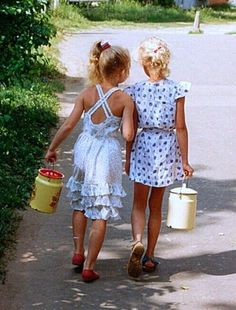 Soviet Union 1989 Girls with milk cans.