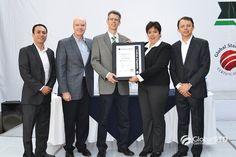 Certificación ISO 22000 Felicitamos a todo el equipo de trabajo de Natura Extracta por todo su esfuerzo que se ve reflejado con la obtención de su certificación ISO 22000:2005.
