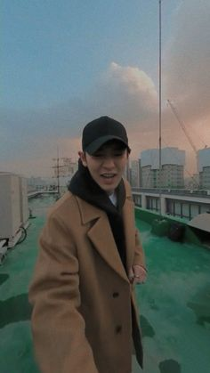 chanyeol slow walk lockscreen ㅡ 200128 Exo Kokobop, Park Chanyeol Exo, Exo Chanyeol, Kyungsoo, Exo Album, Exo Lockscreen, Celebrity Dads, Celebrity Style, Exo Members