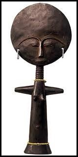 """GHANA - Poupée de fertilité """"Akua-ba"""" (du peuple Ashanti)"""