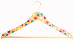 Hanger Decorated With Polka Dots Visual Merchandising Displays, Wooden Hangers, Baby Boutique, Clothes Hanger, Polka Dots, Cool Stuff, Fall, Creative, How To Make