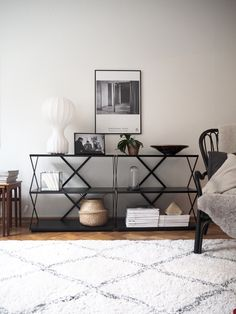 #lagerma: HEM Lift hyllyt olohuoneessa / HEM Lift shelves at the living room