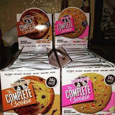 Aww yeeah #lennyandlarrys #vitaminshoppe #bodybuilding #cookies #healthy by netti8809