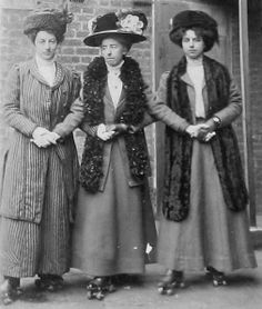 Victorian lady roller-skaters - instead of holding each others hands like lots of skaters did at the time, they hold their own hands. Very independent women!