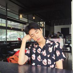 Kim Sun, Ulzzang Boy, Korea, Men Casual, Ruffle Blouse, Boys, Mens Tops, Outfits, Sun Bin
