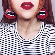 brincos acrílico acetato resina moda tendência maxi brinco colorido divertido geométrico batom vermelho bruna tavares linha make up maquiagem
