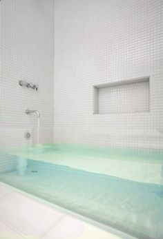 Clear glass tub. What?! Love!