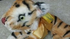 The workmanship in this Bengal tiger is excellent