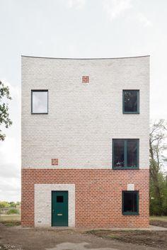 Backsteinturm zum Wohnen - Atlas House in Eindhoven von Monadnock Collage Architecture, Brick Architecture, Minimalist Architecture, Concept Architecture, Residential Architecture, Contemporary Architecture, Architecture Details, Interior Architecture, Healthcare Architecture