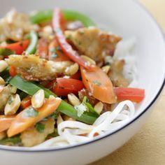 Consuma los vegetales de una forma atractiva. Acompañe con arroz o fideos.