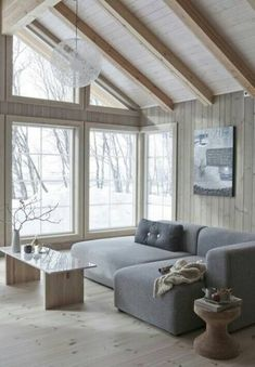 Wonderfull Chalet style of interior decorating Living Room Decor Cozy, Living Room Modern, Living Room Sofa, Home And Living, Living Room Designs, Estilo Interior, Interior House Colors, Cabin Interiors, Large Sofa