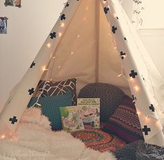 Definitely doing this as a reading corner!!!!
