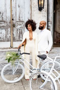 Solange Knowles is officially off the market! The musician tied the knot with music video director Alan Ferguson in New Orleans on Sunday. Solange and Alan Second Wedding Dresses, Celebrity Wedding Dresses, Second Weddings, Celebrity Weddings, Wedding Outfits, Celebrity Style, Celebrity News, Wedding Gifts, Romantic Weddings