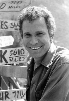 """Died - Wayne Rogers, the actor best known for playing Army surgeon Capt. John """"Trapper John"""" McIntyre on M*A*S*H* for three seasons, died from complications from pneumonia, according to his publicist. Mash Characters, Wayne Rogers, Hogans Heroes, Celebrities Then And Now, Celebrity Deaths, Popular Tv Series, Marilyn Monroe Photos, Star Pictures, Tv Guide"""