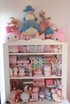 Hello Kitty, Little Twin Stars, My Melody.all brings back memories of Sanrio as a kid. Sanrio Characters, Cute Characters, Little Twin Stars, Little Girls, Desu Desu, Kawaii Bedroom, Otaku Room, Cute Room Decor, Room Goals