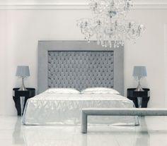 ideen-bettkopfteil-kronleuchter-kristallglas-luxus-einrichtung-schwarz-grau