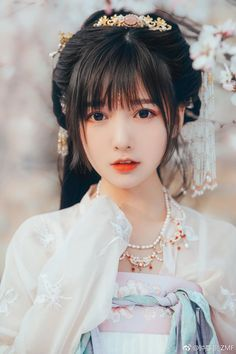 Best 12 Pin by Joncharnock on Beauty in 2019 Hanfu, Cheongsam, Cute Asian Girls, Cute Girls, Asian Cute, Tumbr Girl, Sr1, Cute Japanese Girl, China Girl