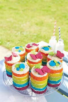 Pretty layered cakes perfect for all sorts of occasions! Rainbow Pinata, Rainbow Donut, Rainbow Stuff, Rainbow Cakes, Mini Cakes, Cupcake Cakes, Cupcakes, Layered Drinks, 70th Birthday Cake