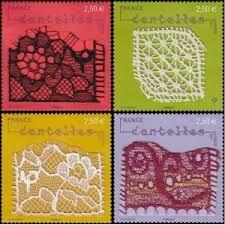 """Résultat de recherche d'images pour """"dentelle dans les timbres poste"""" Postage Stamp Art, Lacemaking, Art Series, Bobbin Lace, Folk Art, Stitching, Seals, Door Bells, Lace"""