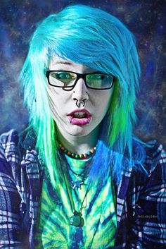 Green and blue scene hair Blue Green Hair, Light Blue Hair, My Hairstyle, Pretty Hairstyles, Scene Hairstyles, Scene Girls, Emo Scene, Wacky Hair, Emo Hair