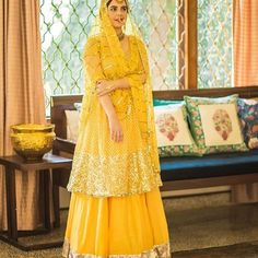 With a unique style, each of these budget bridal wear designers we've seen are creating waves in the Indian wear scene! Latest Bridal Dresses, Desi Wedding Dresses, Pakistani Wedding Outfits, Pakistani Dresses, Pakistani Mehndi Dress, Bridal Mehndi Dresses, Lehenga Wedding, Bridal Outfits, Indian Fashion Dresses