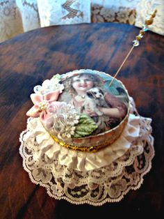 I loooove this and I also own it now......Thank you my friend Linda ,Altered Jewelry/Trinket Box - Scrapbook.com