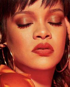 Rihanna You, Rihanna Style, Rihanna Fenty, Summer Makeup Looks, Business Women, Style Icons, Hoop Earrings, Lipstick, Bad Gal