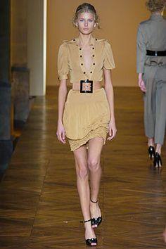 Saint Laurent Spring 2005 Ready-to-Wear Fashion Show - Hana Soukupova