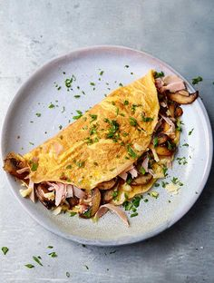 Best Ever Ham And Mushroom Omelette Recipe Ham And Cheese Omelette, Mushroom Omelette, Veggie Omelette, Egg Recipes, Brunch Recipes, Breakfast Recipes, Cooking Recipes, Burger Recipes, Gourmet Breakfast