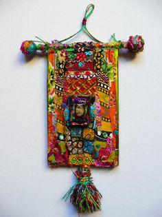 • Tout petits formats Fabric Beads, Fabric Art, Fabric Scraps, Textiles, Creation Art, Textile Fiber Art, Nature Crafts, Crochet Home, Rug Hooking
