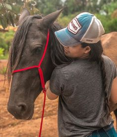 Cowgirl And Horse, Horse Love, Horse Girl, Arte Equina, Vaquera Sexy, Looks Country, Pictures With Horses, Western Girl, Relationship Goals Pictures