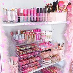Cameo Carry All Beauty Case Pro Make Up Set - Premium Collection - Cute Makeup Guide Cute Makeup, Beauty Makeup, Makeup Tips, Glam Makeup, Makeup Geek, Makeup Videos, Rangement Makeup, Make Up Storage, Storage Ideas