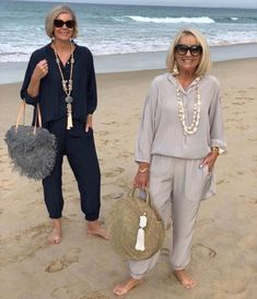 Best Fashion Tips For Women Over 60 - Fashion Trends Over 60 Fashion, Mature Fashion, Over 50 Womens Fashion, 50 Fashion, Look Fashion, Fashion Outfits, Fashion Tips, Fashion Trends, Fashion Quotes