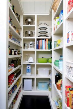 Would love this option with narrow shelves for foot and the larger spots for my big pots, crockpot, serving dishes, etc.