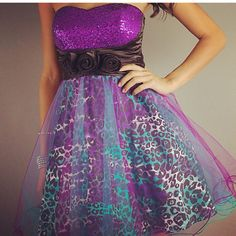 @Corina Thue Thue Dragomir, it's purple and leopard print!