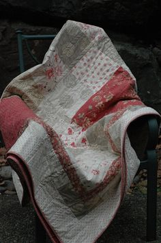 French General Rounneries Quilt ~DONE~ by Badger's mum, via Flickr