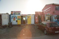 http://upload.wikimedia.org/wikipedia/commons/9/9e/California_Barber_Shop_Saloon_-_Joe_Slovo_Park,_Cape_Town,_South_Africa-3668.jpg