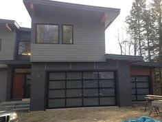 Overhead Door Modern Aluminum Model 521. Available In Over 185 Colors To  Suit Any House