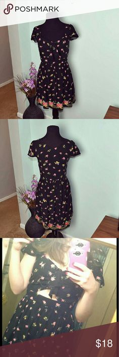 Beautiful Black Floral Print Flowy Dress Honestly this is my favorite dress in the world. I've only worn it a handful of times. Selling only because I just don't have nearly as many opportunities/events to wear this beauty. In Excellent condition and gorgeously made. Dresses Midi