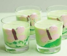 cute ideas for drinks for children's birthday party - butterflies made from marshmallow and snake lollies