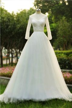 Tidetell.com High Quality V-neck A-line Floor Length Tulle Wedding Dress With Beading Long Sleeves