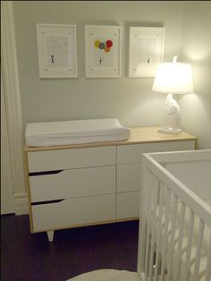IKEA Mandal Dresser/changing table... use a xresser sd a changing table