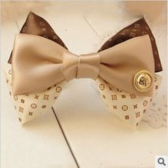 Elegant Big Butterfly Bow Cloth Hair Clips with Metal Button Ribbon Hair Clips, Ribbon Hair Bows, Diy Hair Bows, Bow Headbands, Diy Ribbon, Flowers In Hair, Fabric Flowers, How To Make A Ribbon Bow, Diy Hair Accessories