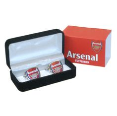 ARSENAL Cufflinks in the shape of the club crest. Approx 2cm Diameter. Official Licensed Arsenal cufflinks.. FREE DELIVERY ON ALL OF OUR PRODUCTS