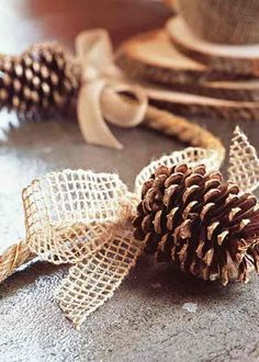 Love this pine cone garland #thanksgiving