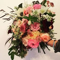 And I love a New Years Wedding.. and this bouquet is making me want to celebrate! #worldcafeliveatthequeen @worldcafelive #newyearswedding #winterbouquetinspiration @shannonwellingtonwedding