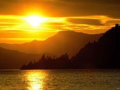 <b>Landscapes</b> Sunset Over The Lake In The Mountans - nature wallpaper ...
