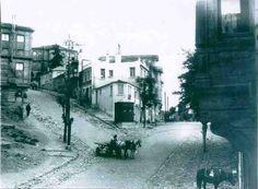 Beşiktaş, Şair Nedim Caddesi. Sol taraf Teşvikiye ye çıkan Hüsrev Gerede Caddesi ..1930'lar